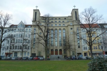 COMMUNITY CENTER SANKT-KAMILLUS IN BERLIN