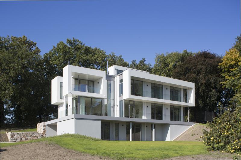 neubau einer modernen villa in potsdam zierhut. Black Bedroom Furniture Sets. Home Design Ideas